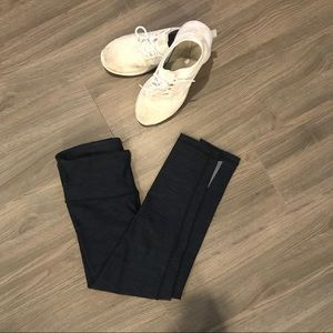 Womens navy blue 3/4 gym pants size XS
